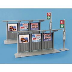 2 bus stops and shelters - Peco - OO scale